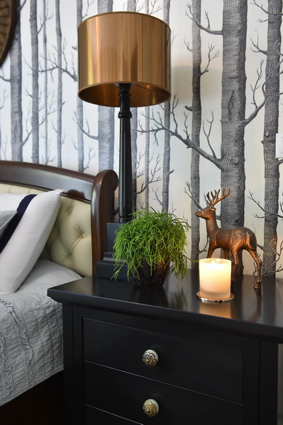 simona-ungurean-homestyling-4-interior-design-49-black-white-copper-forest-wallpaper-bedroom