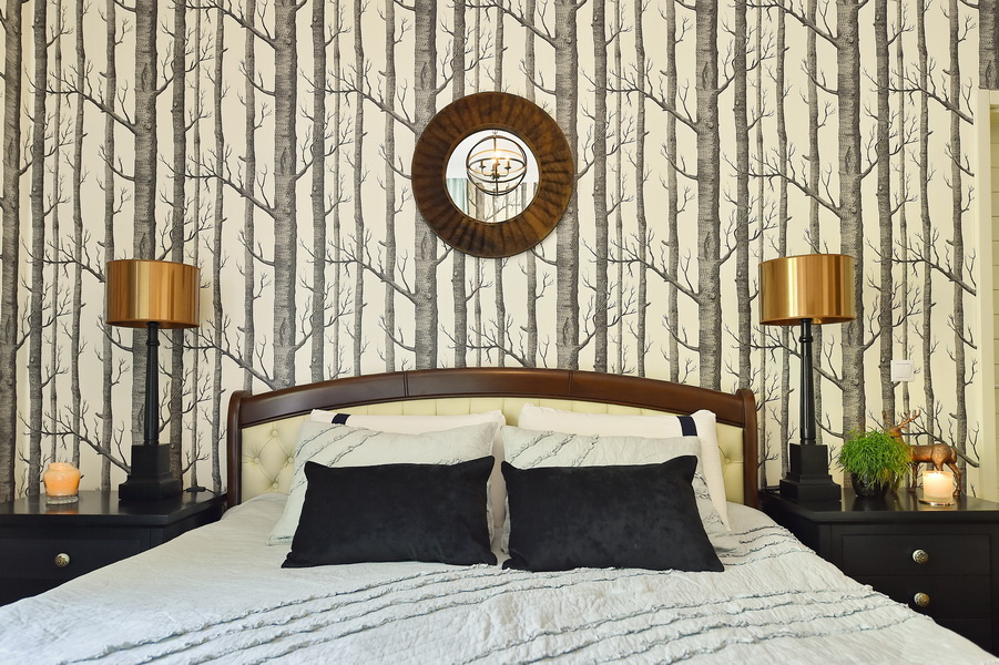 simona-ungurean-homestyling-4-interior-design-51-black-white-copper-forest-wallpaper-bedroom