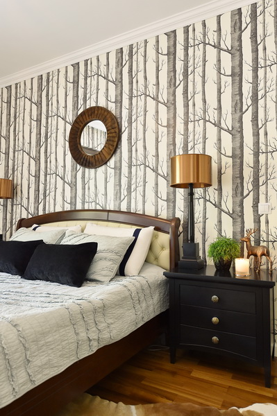 simona-ungurean-homestyling-4-interior-design-53-black-white-copper-forest-wallpaper-bedroom