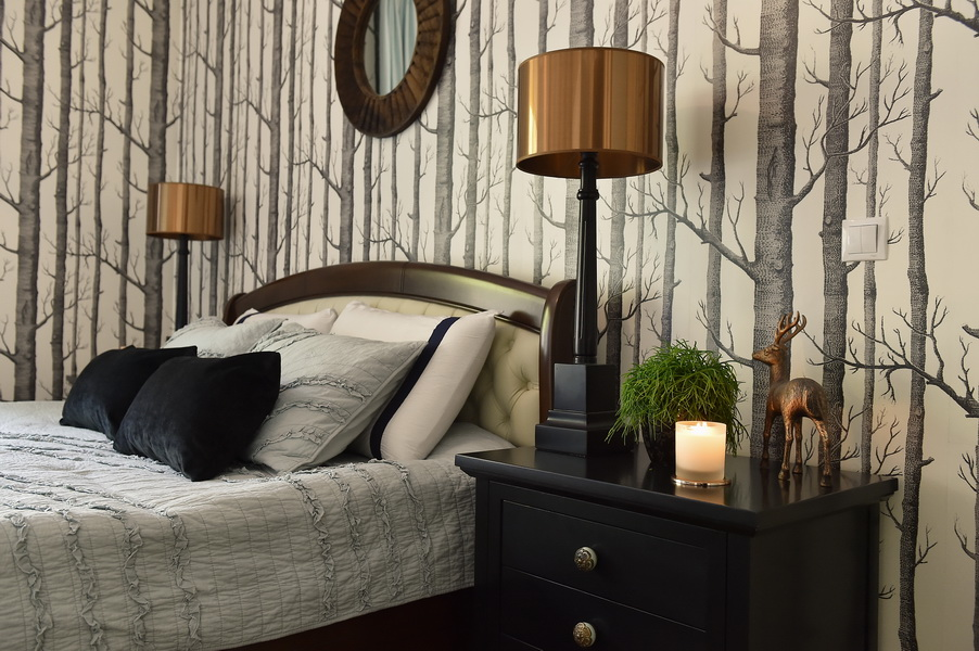 simona-ungurean-homestyling-4-interior-design-55-black-white-copper-forest-wallpaper-bedroom