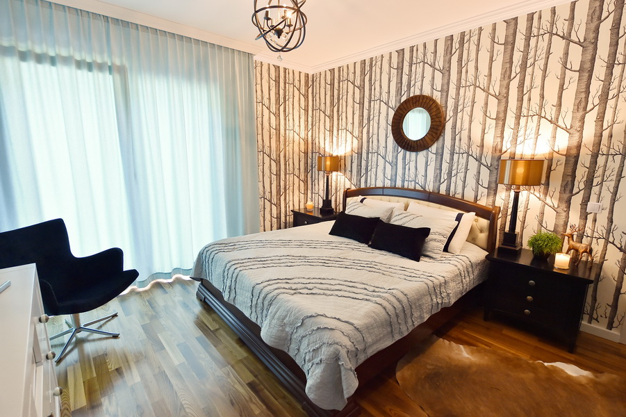 simona-ungurean-homestyling-4-interior-design-56-black-white-copper-forest-wallpaper-bedroom