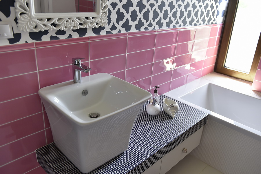 simona-ungurean-homestyling-8-interior-design-25-pink-and-blue-bathroom-design
