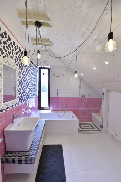 simona-ungurean-homestyling-8-interior-design-26-pink-and-blue-bathroom-design