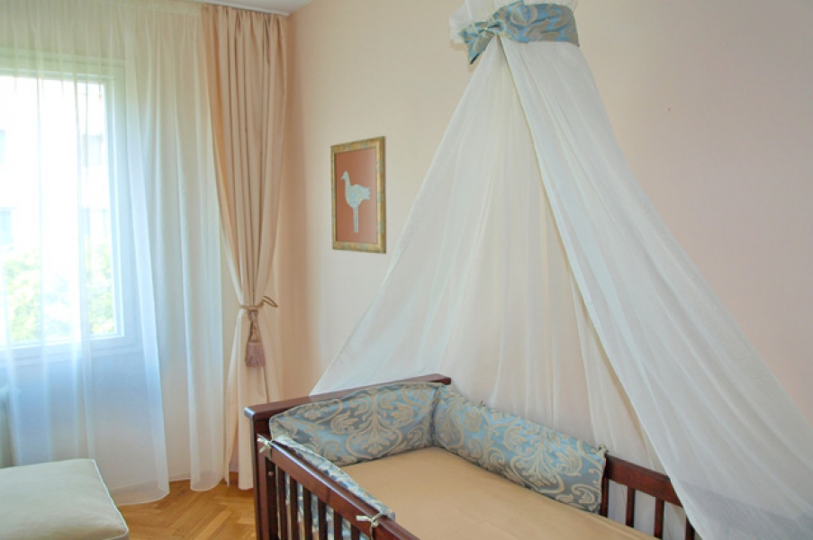 design-interior-apartament-camera-clasica-bebe3