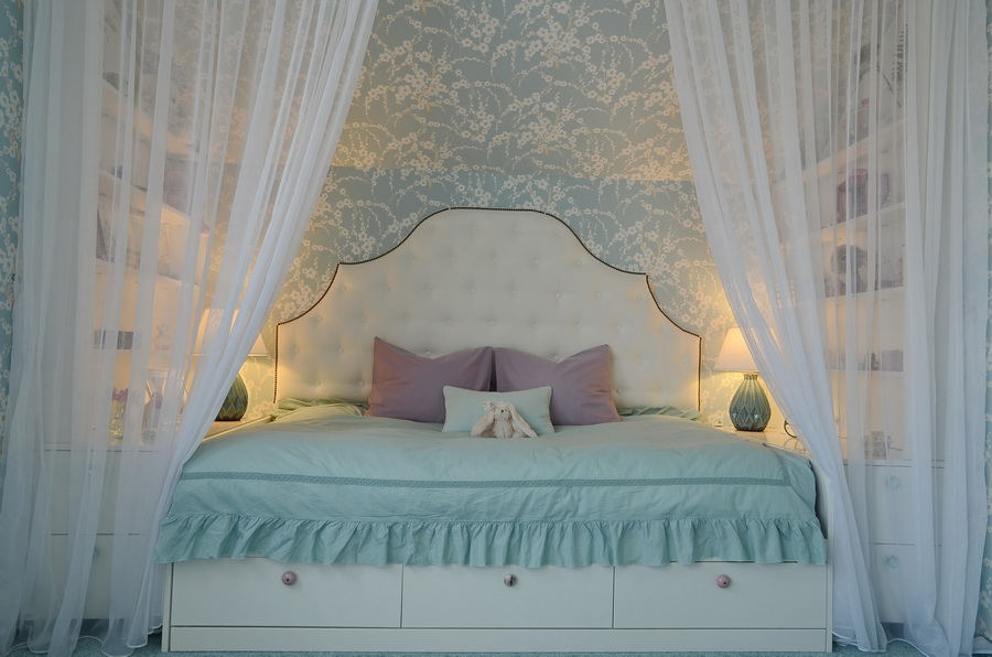 simona-ungurean-homestyling-girl-room-aqua-purple-design-camera-fete-2